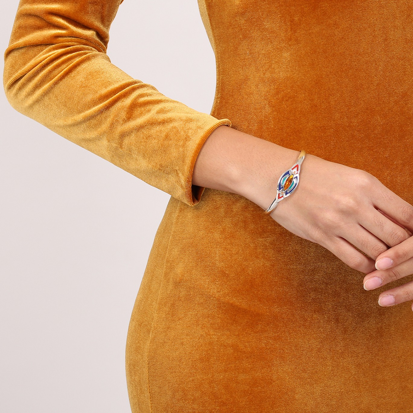 DINA bracelet rigide