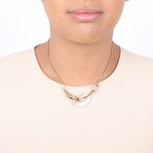 DEBORAH brownlip center necklace