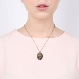 MOREEN oval pendant necklace