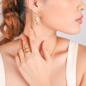 INES boucles d'oreilles créoles Nacre blanche