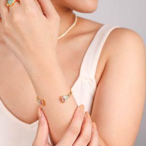 ISIS  bracelet rigide doré à l'or fin et émaillé à la main