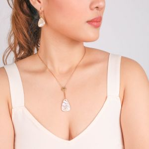 CORALIE triangular pendant necklace