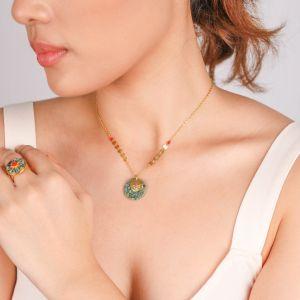 TIWA round pendant necklace