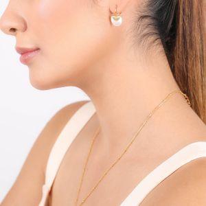 MARIA boucles d'oreilles mini dormeuses nacre blanche